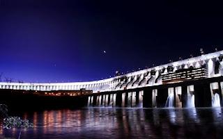 usina Itaipu vista noite