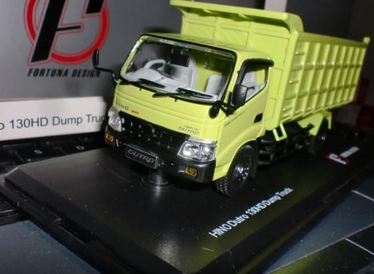 miniatur truk dam hino dutro