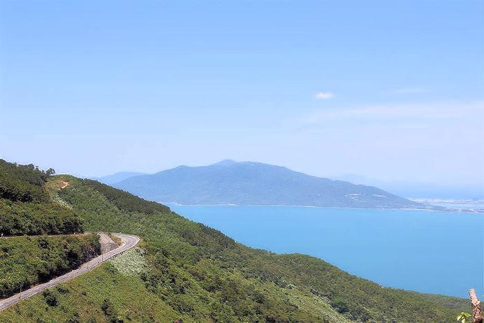 Wolkenpass Vietnam (C) JUREBU