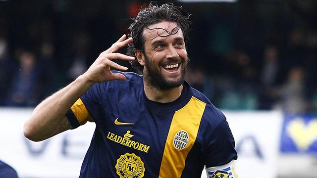 Luca Toni Akan Gantung Sepatu Setelah Melawan Juventus