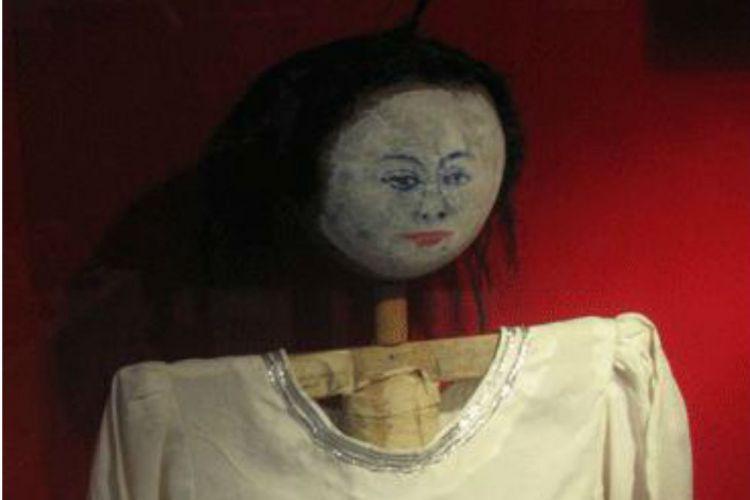 Jailangkung(Haunted Puppet) - Indonesia Ouija. 750x500-asal-usul-permainan-jelangkung-sarat-mistis-dan-gaib-161229c