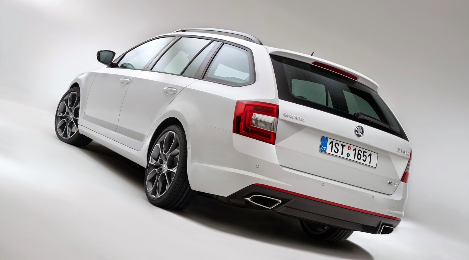 frenchtouch2 new skoda octavia combi rs rs comme race. Black Bedroom Furniture Sets. Home Design Ideas