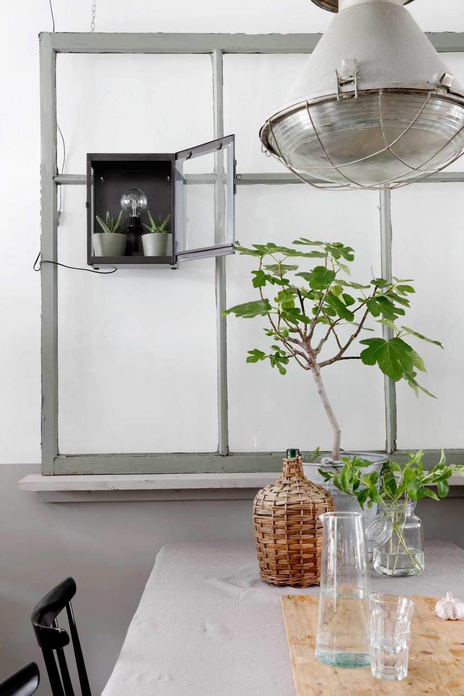 estilo industrial, estantería, bombilla, luz decorativa,