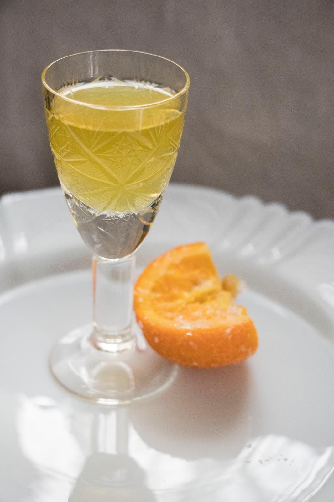 Ev Yapımı Portakal Likörü