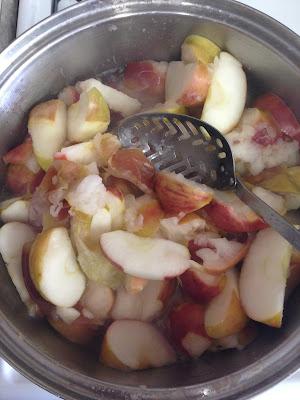 IMG 4923%255B1%255D - Homemade Applesauce