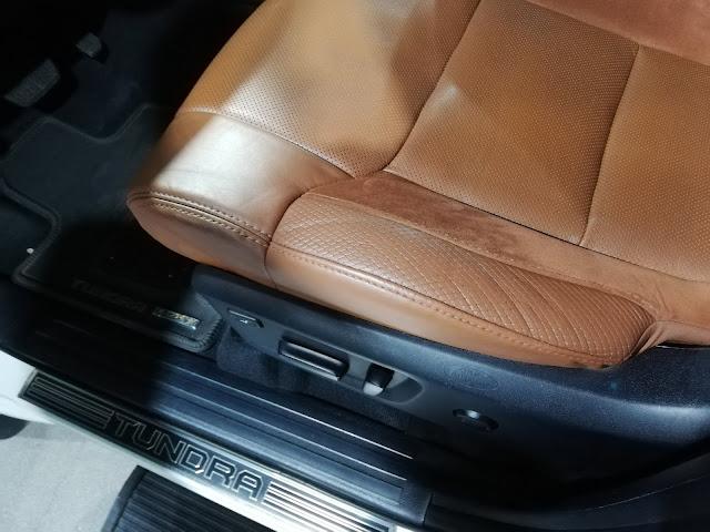 自動車内装修理#231 USトヨタ/ タンドラ クルーマックス1794エディション 革シート擦れ補修after