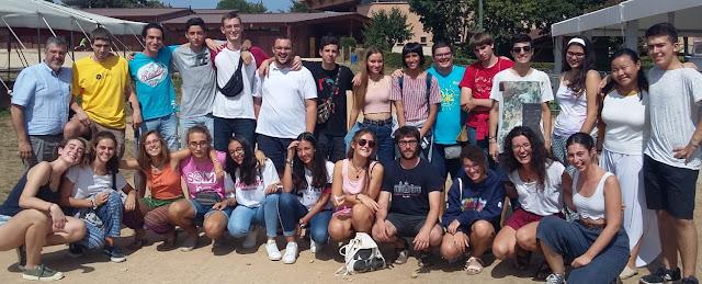Joves de les parròquies de Vilanova i la Geltrú a Taizé