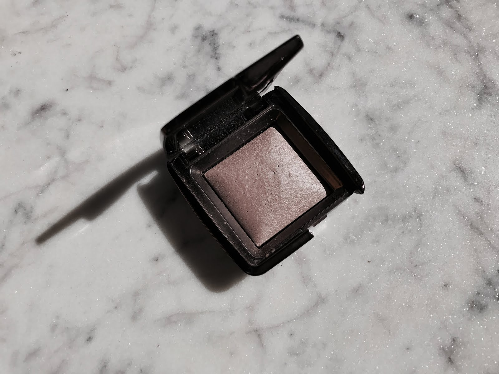 VG CHOICE: The Ambient Lighting Powder, Hourglass