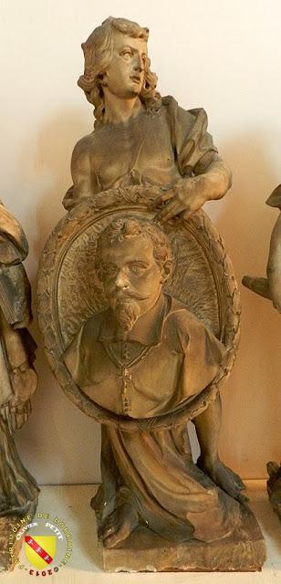 NANCY (54) - Musée lorrain : Génie tenant le portrait de Jean des Porcelets
