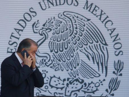 Renuncia procurador general de México, Raúl Cervantes
