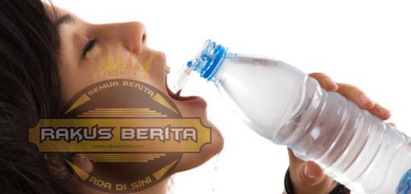 Bahayanya Minum Air Dingin Setelah Makan