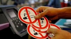 Δείτε το ύψος των προστίμων που προβλέπει ο αντικαπνιστικός νόμος.Ο νόμος για την απαγόρευση του καπνίσματος ισχύει και για τους οδηγούς κάθ...