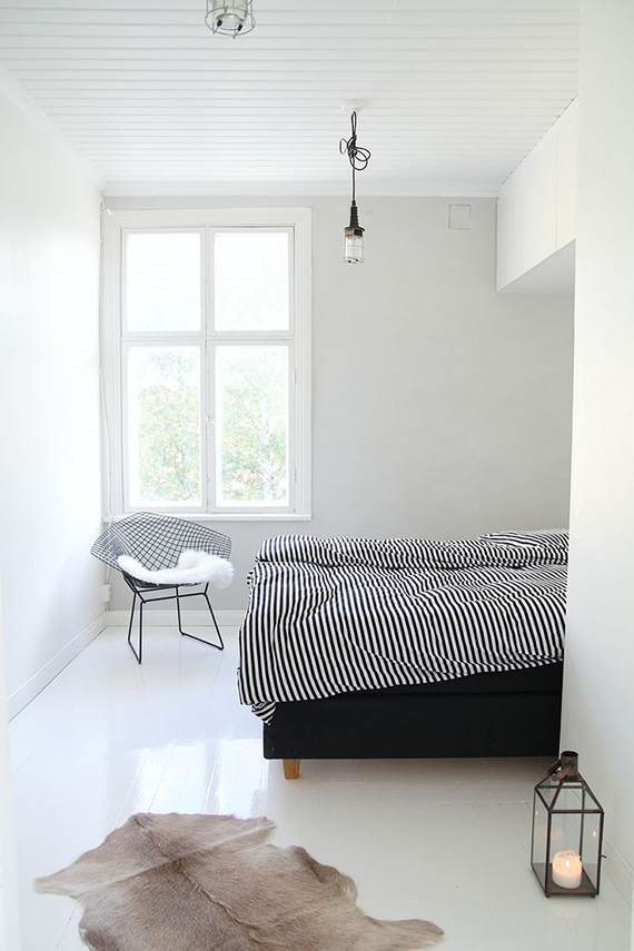 Soothing minimalist bedrooms for a simple life | Image via Maiju Saw