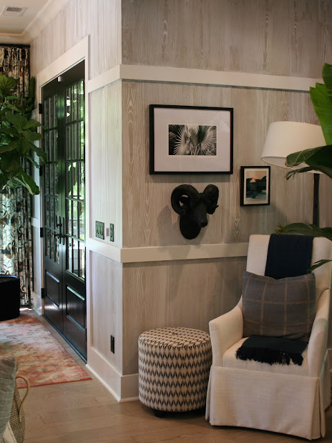 Woodgrain wallpaper in a nook off the great room of a cottage farmhouse in Palmetto Bluff, SC | The Lowcountry Lady