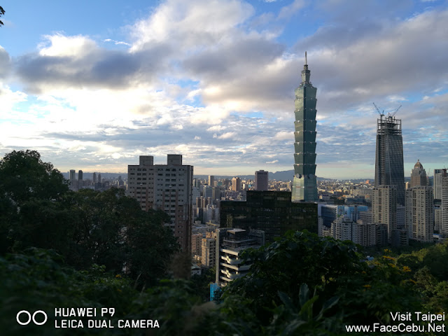 Early afternoon shots of Taipei 101