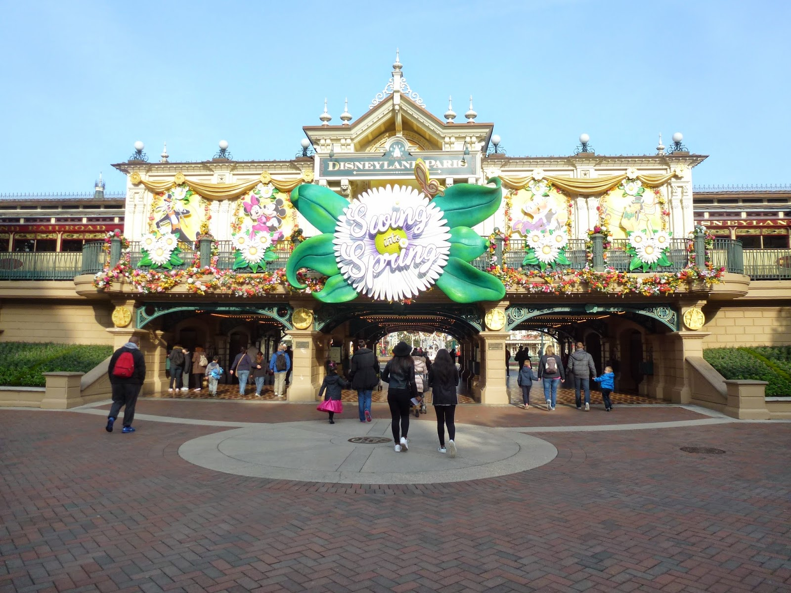 disneyland-paris-spring-into-spring