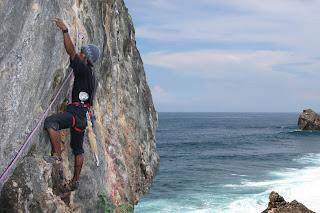 Pantai Siung dengan 250 Jalur Pemanjatan || Gunung Kidul