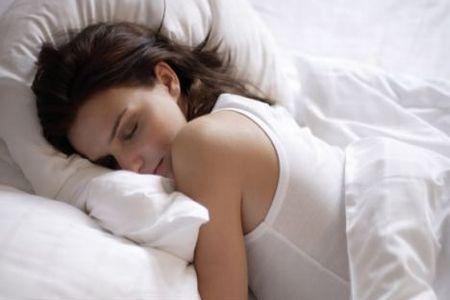 Tidur yang Cukup Bisa Melawan Demam
