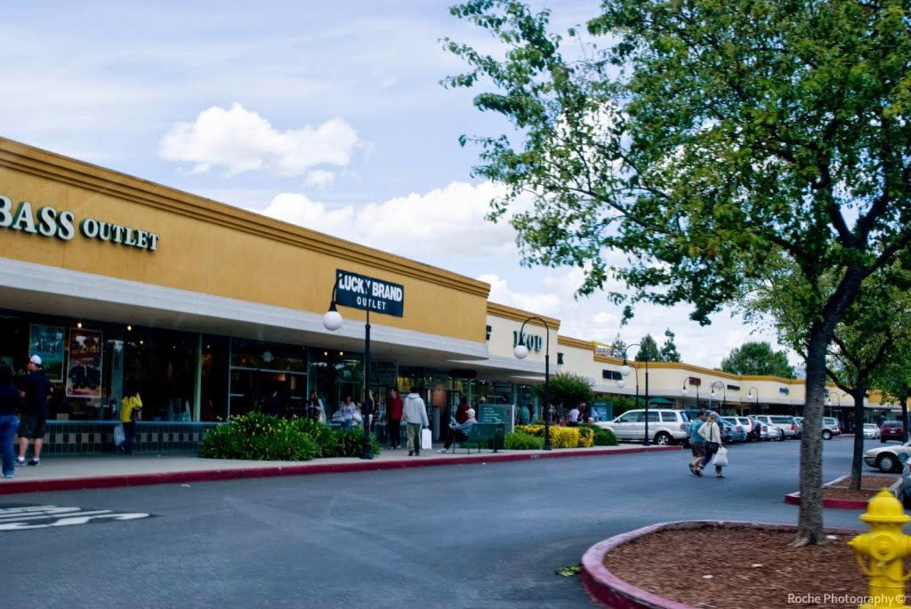 Petaluma Village Premium Outlets San francisco