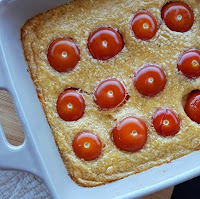 Clafoutis healthy de tomates cerises & comté Charlotte and cooking
