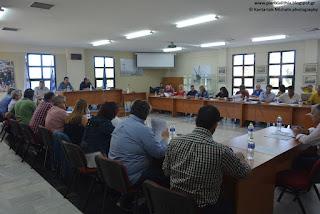 Βίντεο και φωτογραφίες από την επεισοδιακή συνεδρίαση του Δημοτικού Συμβουλίου του Δήμου Δίου-Ολύμπου