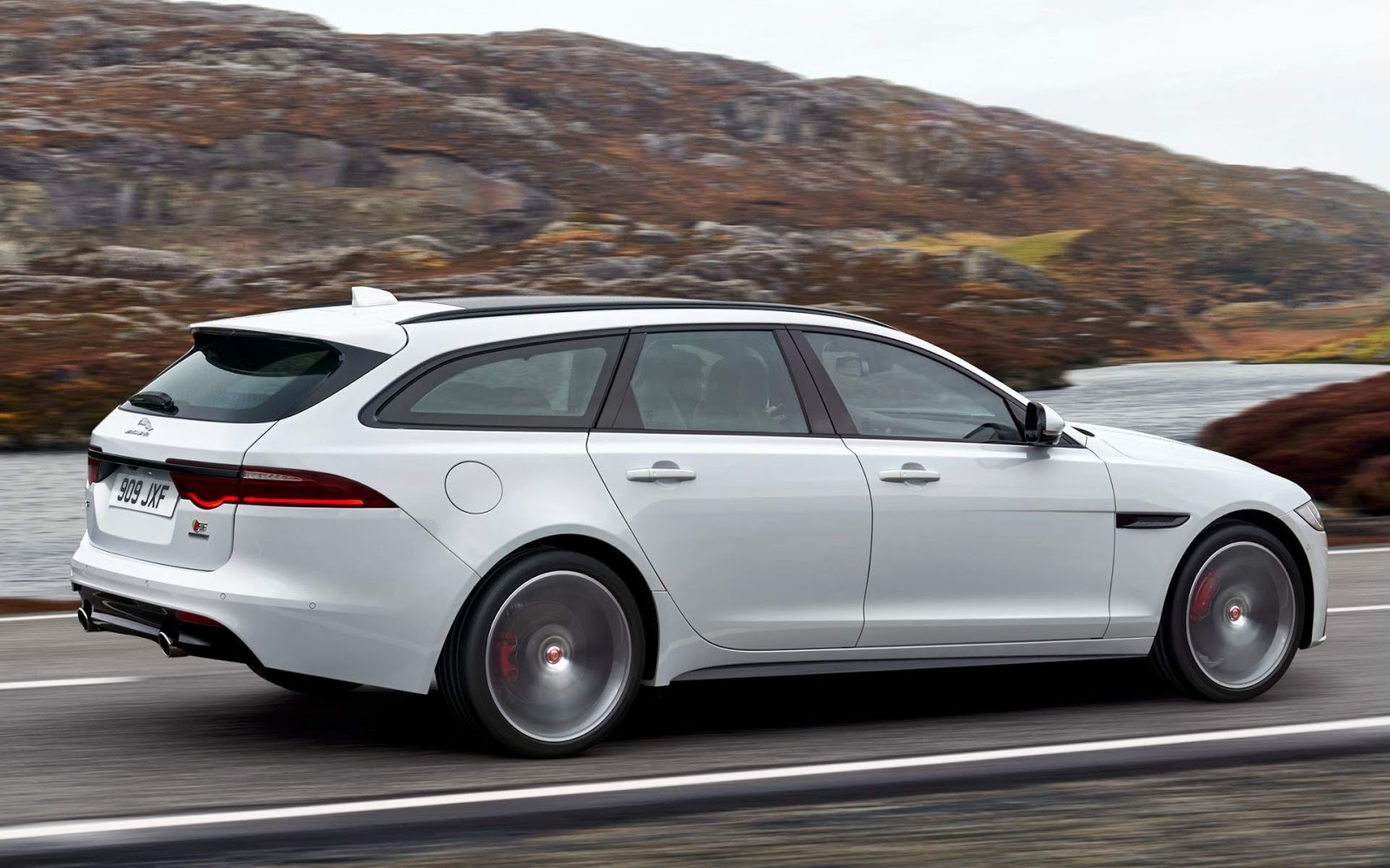 jaguar apresenta a station wagon xf sportbrake fotos car blog br. Black Bedroom Furniture Sets. Home Design Ideas