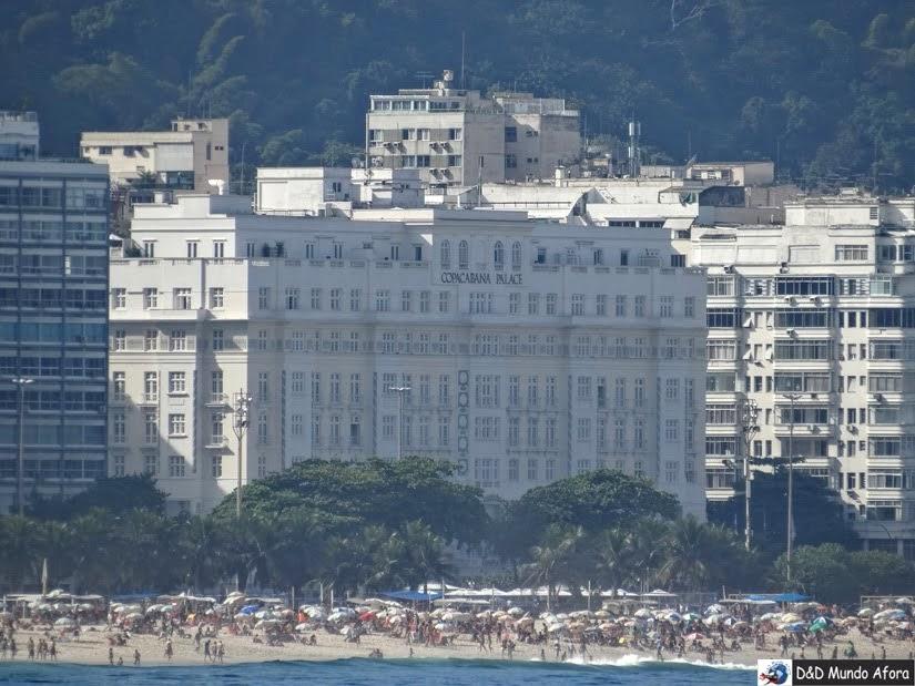 Hotel Copacabana Palace - vista lá do Forte de Copacabana - Rio de Janeiro