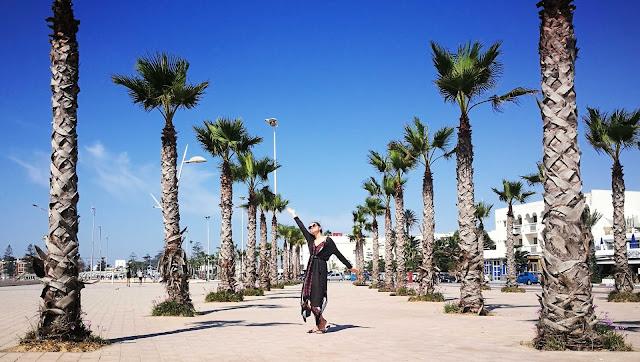 Deptak przy plaży w Essaouira, Maroko