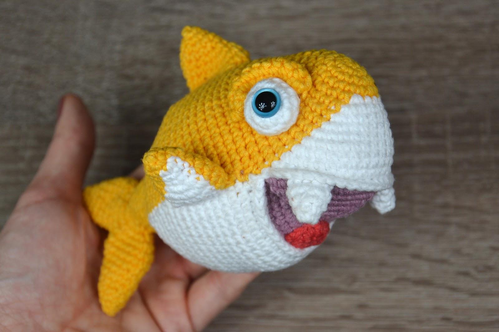Amigurumi Baby Shark, hand puppet | 1066x1600