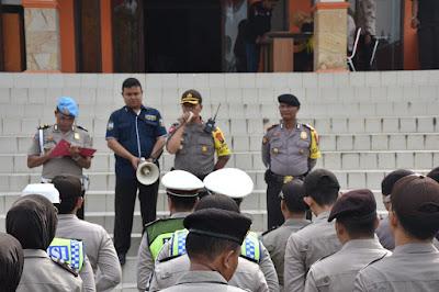 Ratusan Personil Polres Muba Bersiaga di Kantor  KPU