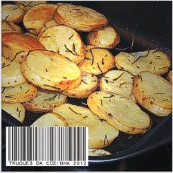 Batata de forno pronta na assadeira