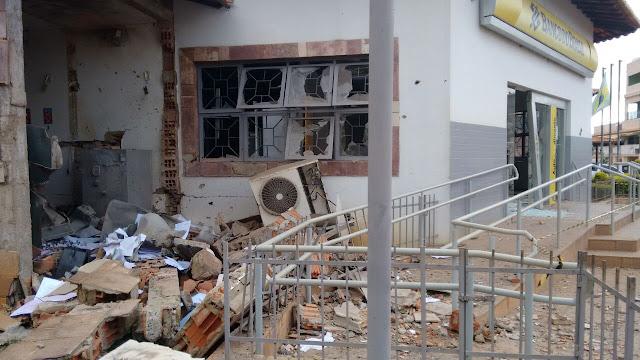 Madrugada de terror na cidade de  Iraquara: Bandidos explodem agência bancária