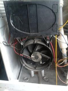 memperbaiki kerusakan pada Pemanas air Dispenser