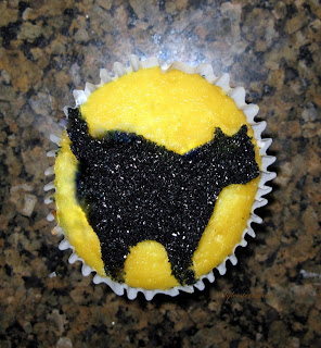 Stenciling cupcakes is a fun and easy way to decorate a cupcake. I am sharing simple step by step in instructions for stenciling Halloween Cupcakes along with lots of photos and tips.