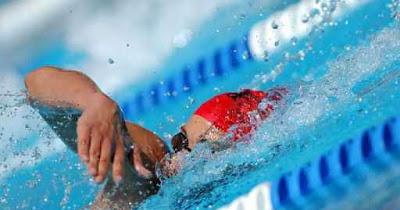 Nager pour s'affiner: quelle nage choisir?