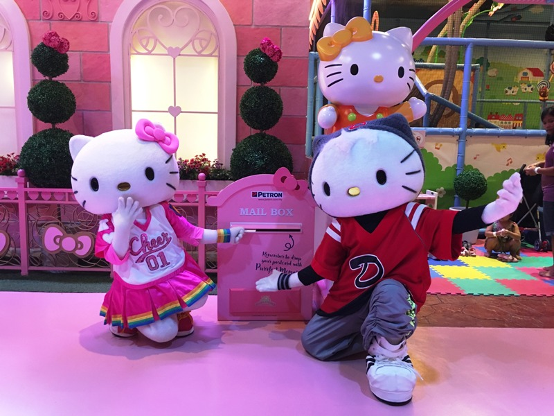 puteri harbour sanrio hello kitty town win hampers