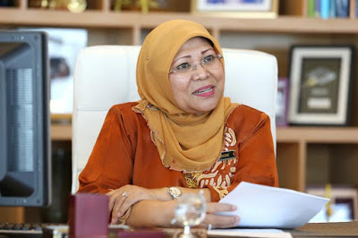 Minister denies government weighing bump to retirement age