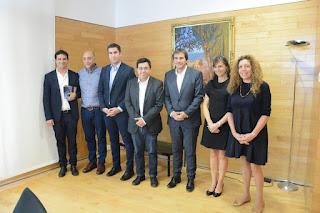 Diputados bonaerenses junto al argentino Gerardo Pisarello, alcalde de Barcelona