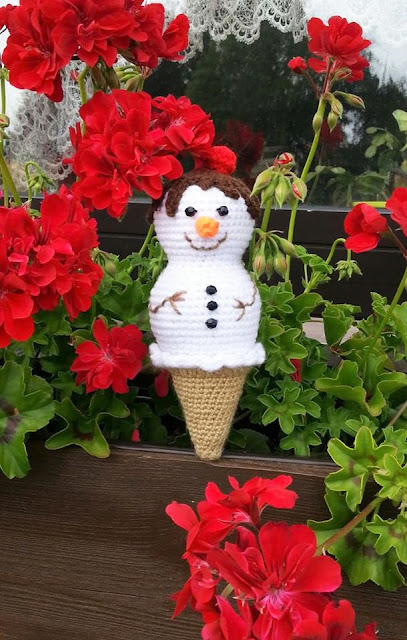 Ice Cream Snowman crochet pattern - Amigurumi Today | 640x407