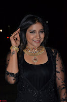Sakshi Agarwal looks stunning in all black gown at 64th Jio Filmfare Awards South ~  Exclusive 079.JPG