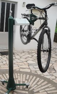 Suporte para reparar bicicletas