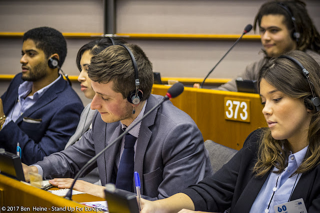 Nicolas Hamon, Bàlint Gyévai - Students for Europe - Stand Up For Europe - Parlement européen - Photo by Ben Heine