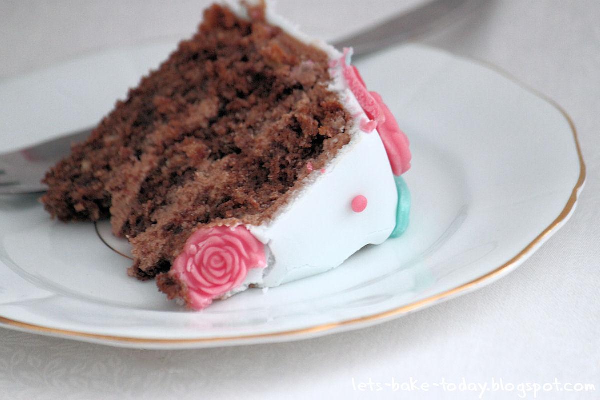 Carinos Chocolate Cake