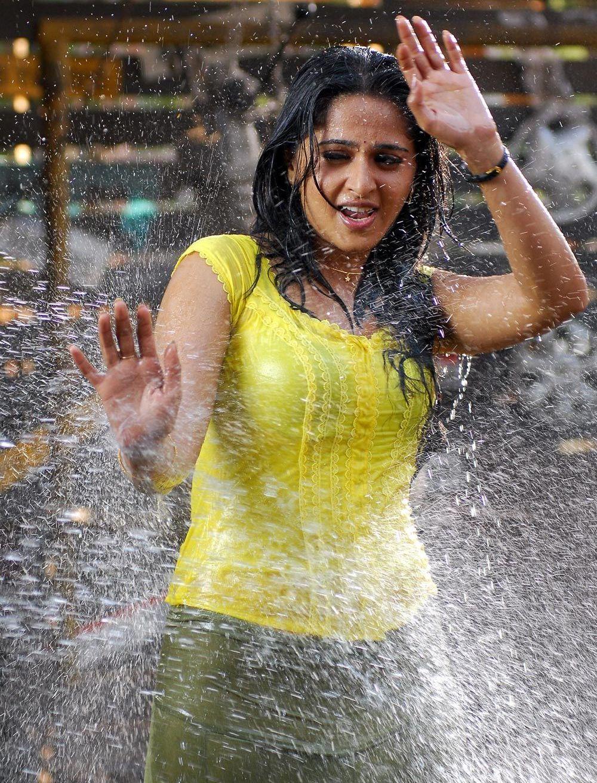 Anushka in wet yellow dress