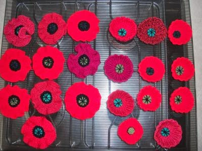 Paulineknit a life of hand knitting knitted poppies i used a variety of double knitting yarns or a number of thinner yarns together that worked to a double knitting thickness on 4mm needles hence the poppies mightylinksfo