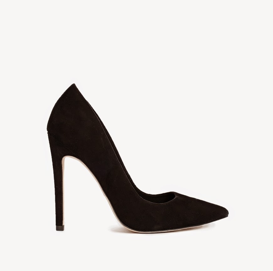 wardrobe essentials, basics,black pumps, pointed pumps