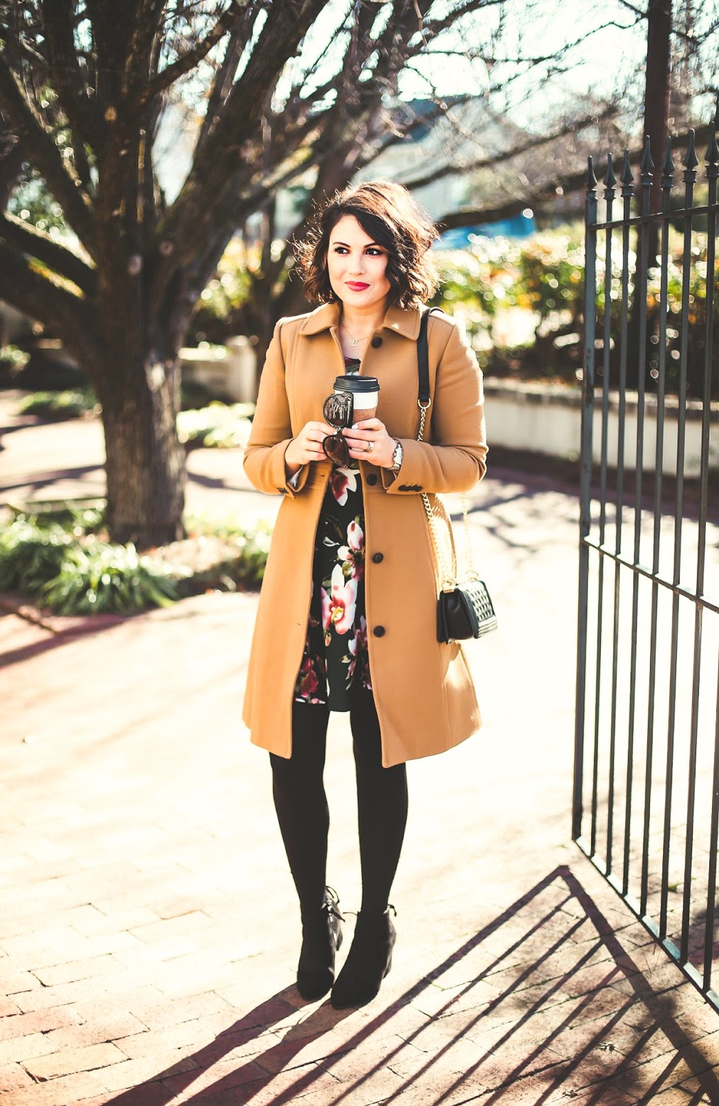 j crew lady day coat, louis vuitton speedy 30, louis vuitton damier azur, white pants for winter, white jeans in winter, camel coat outfit