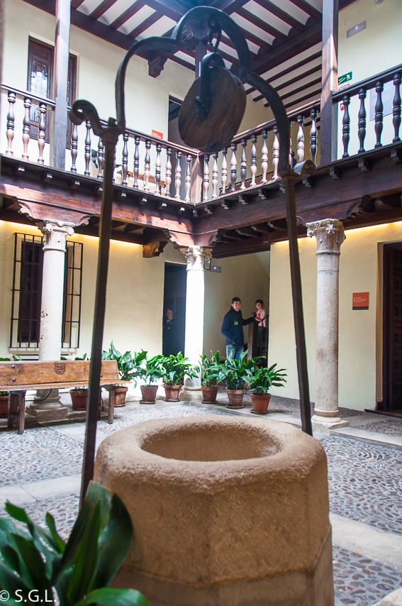 Pozo de la casa Cervantes. Alcala de Henares