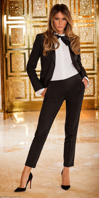 318B919E00000578-3466448-Melania_Trump_pictured_at_their_vast_Trump_Tower_apartment-a-34_1456593699450.jpg