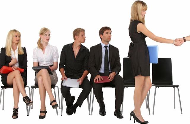 Trik Tampil Professional Saat Interview Pekerjaan